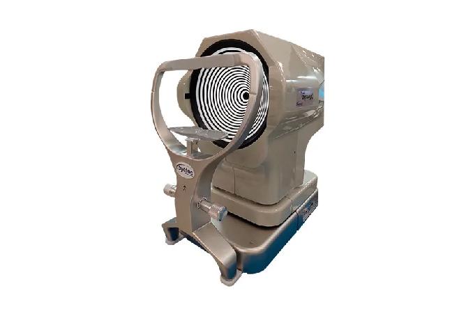 Assistência técnica para topógrafo de córnea